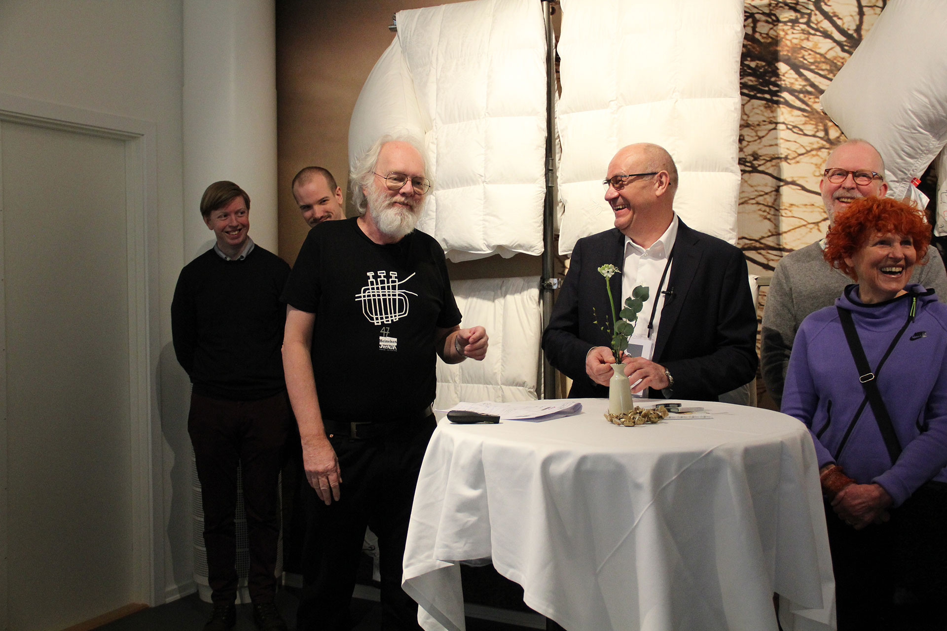 Preben Mejer holder foredrag om IoT under åbningen af Sleep Lab